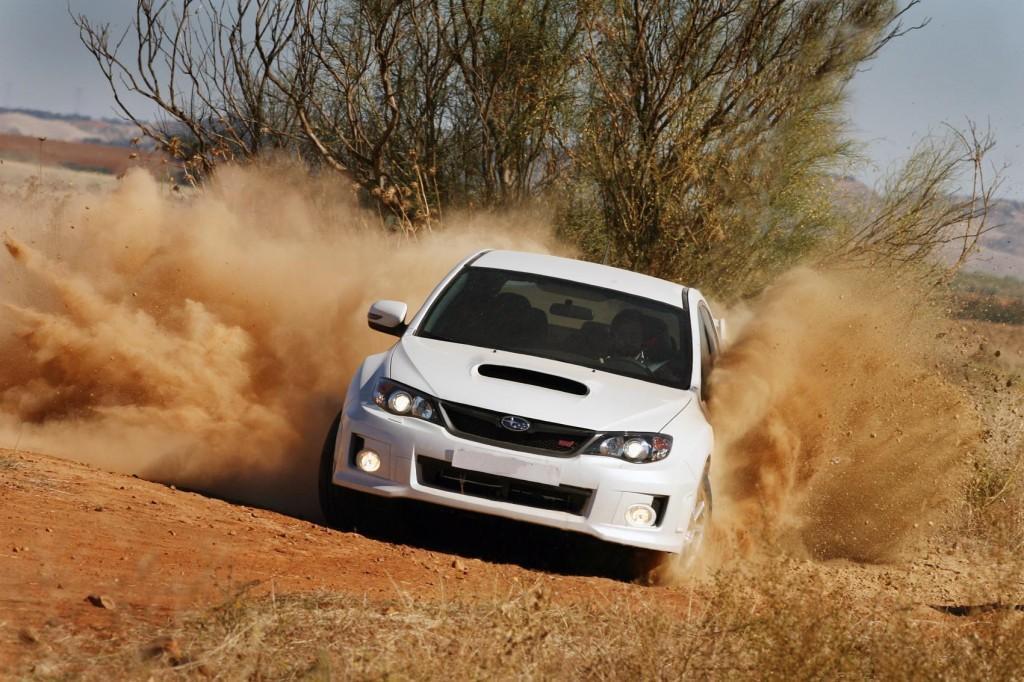 Subaru WRX STi en tierra