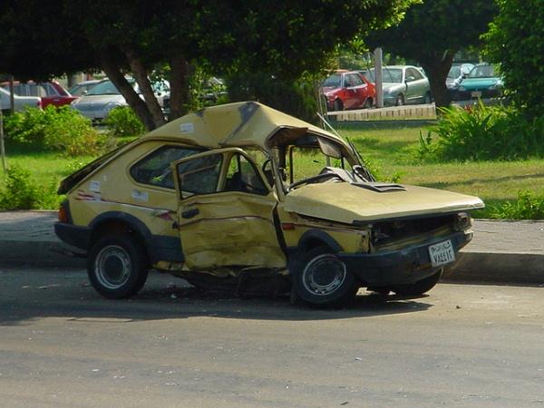 Truco para arreglar algunas abolladuras de la carrocer a - Quitar rayones coche facilmente ...